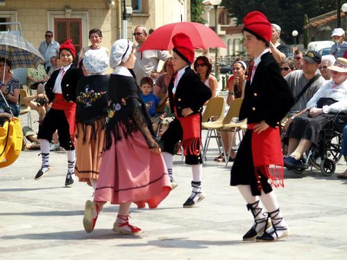 Les Dansaïres Catalans (Photo La Gazette Catalane)
