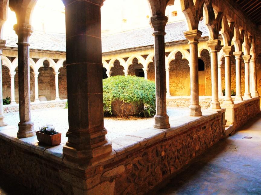 Monastir del Camp à Passa, joyau de l'art romancatalan