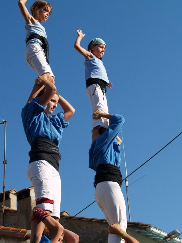 Les castells sont des pyramides humaines où l'union fait la force. (Photo La Gazette Catalane)