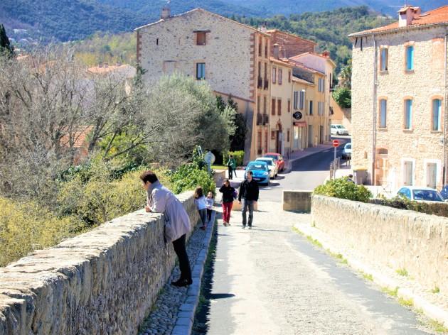 Céret en passant sur le pont du Diable(Photo La Gazette Catalane).jpg