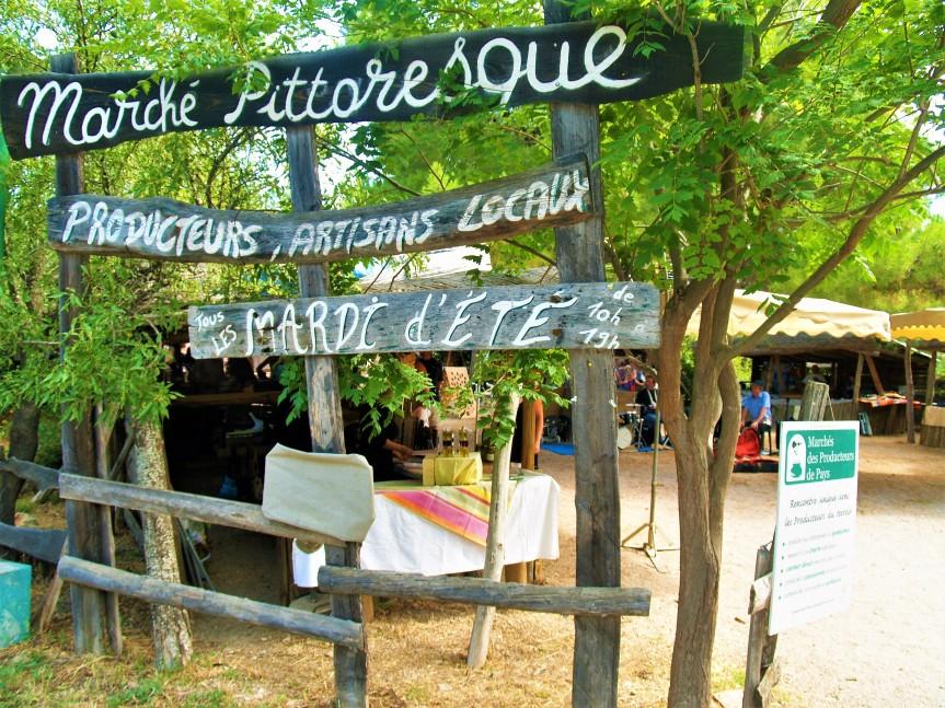 A Castelnou, les mardis d'Eté c'est marché pittoresque!