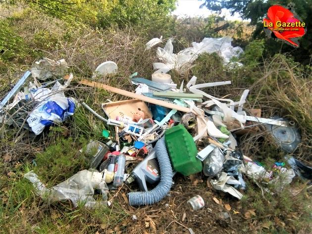 Dépôt sauvage de déchets de chantier sur territoire de la commune de Llupia (Photo La Gazette Catalane.com)