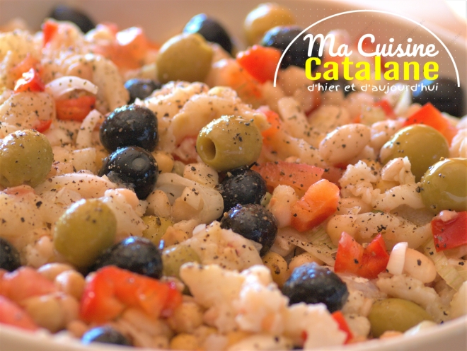 Salade de ravioles aux piquillos et gambas